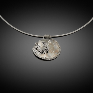 Mokume gane pendant (rose gold/silver) with filigran detail
