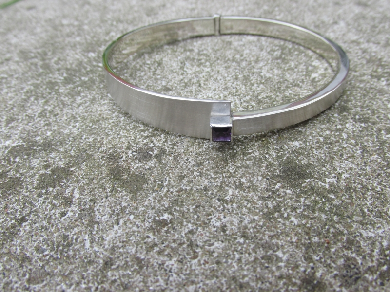 Michel Kortman Carré armband zilver met Saffier