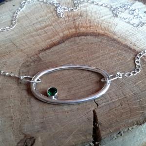 Zilveren ketting met smaragd