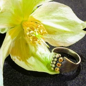 Zilveren ring met drie citrienen